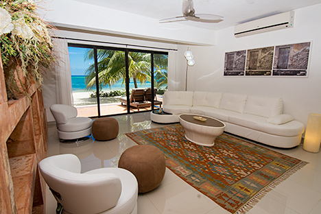 Villa Grace living room