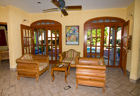 Entry and living area of Hacienda Izamal vacation rental home