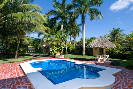 Hacienda Izamal vacation villa rental has a lush garden