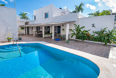 Another view of the swimming pool at Casa Jen Cozumel vacation rental villa