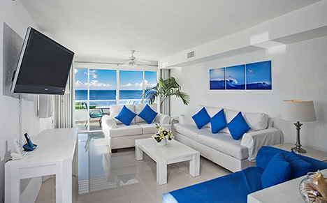 Lliving room  of Miramar 401 vacation rental condo in Cozumel Mexico