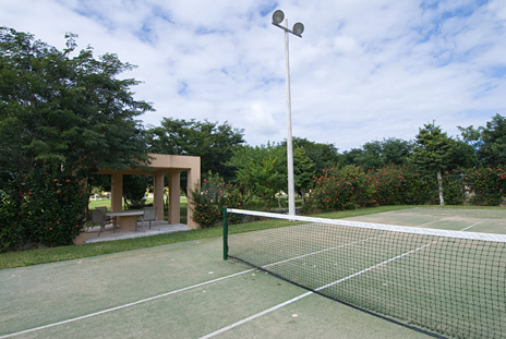 Tennis court Mondo Palancar Cozumel vacation rental