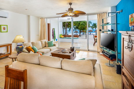 Residencias Reef 5140 living room has ocean views
