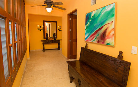 Entry foyer Residencias Reef 6200