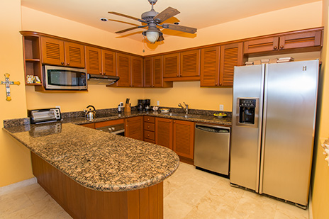 Kitchen of RR 6200 vacation condo on Cozumel