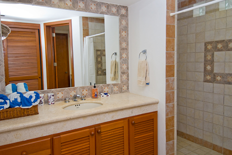 Bathroom in  RR 7160 at Residencias Reef vacation rental condo