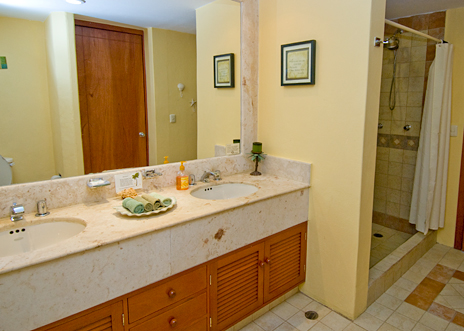 Kitchen is fully equipped at in RR 8310 1 BR vacation rental condo