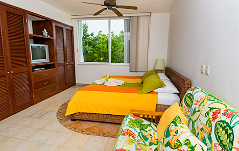 Bedroom of RR 8380  vacation rental condo has king bed, private bath