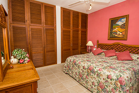 Bedroom in Casa Tomas vacation villas in Cozumel, Mexico