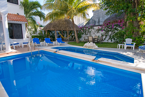 Pool at Topaz Cozumel vacation rental