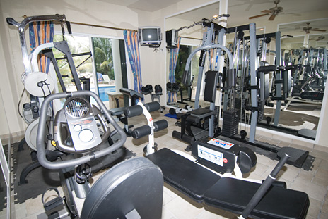 Private gym in Las Uvas cozumel Mexico Rental Villa